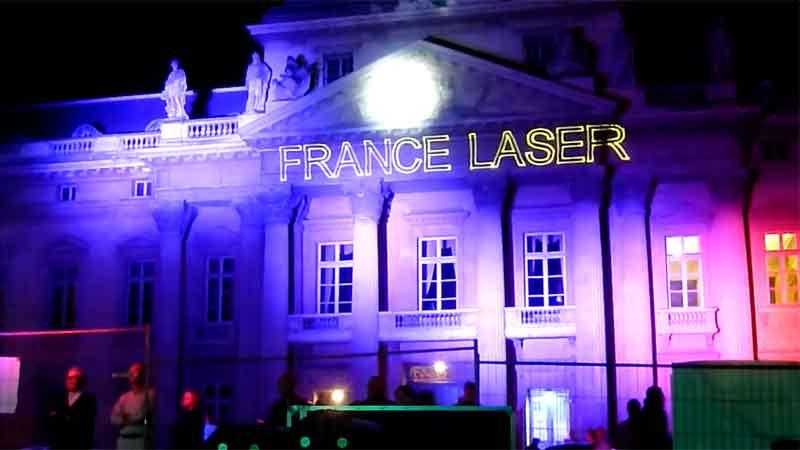 Show laser ext rieur pour spectacle plein air animation for Laser decoratif exterieur